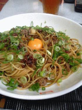 カリカリ納豆とひき肉の焦がし醤油スパゲッティ