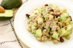 アボカドとお豆サラダ
