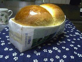 牛乳パック型で食パン作り