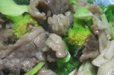 ブロッコリーと牛バラ肉炒め