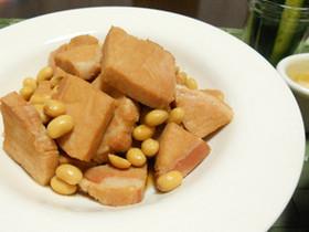 厚切りハムと大豆の煮物