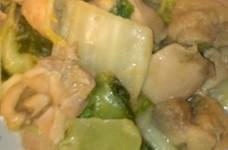 白菜と鶏もも肉のうまうまコンソメ(^^♪
