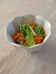青梗菜と人参のナムルの写真