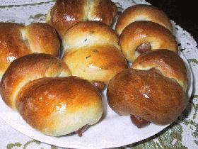 ウィンナーとハーブの巻き巻きパン