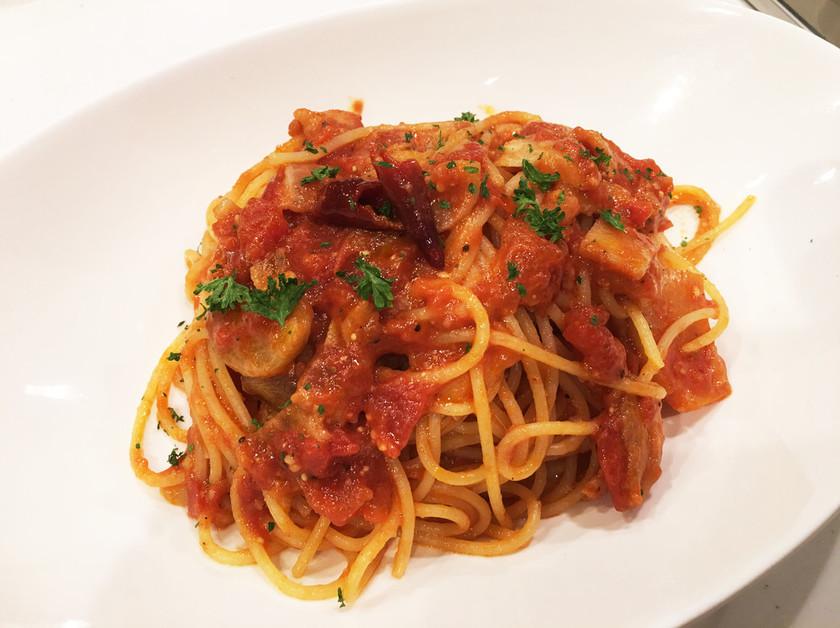 トマトとニンニクのパスタ