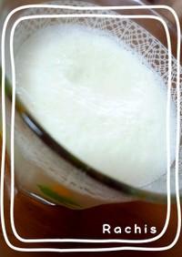 牛乳とアイスで!簡単シェイク☆