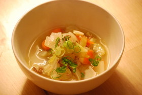 薄切り牛肉と野菜のスープ