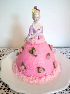 記念日にお人形のデコレーションケーキ寿司