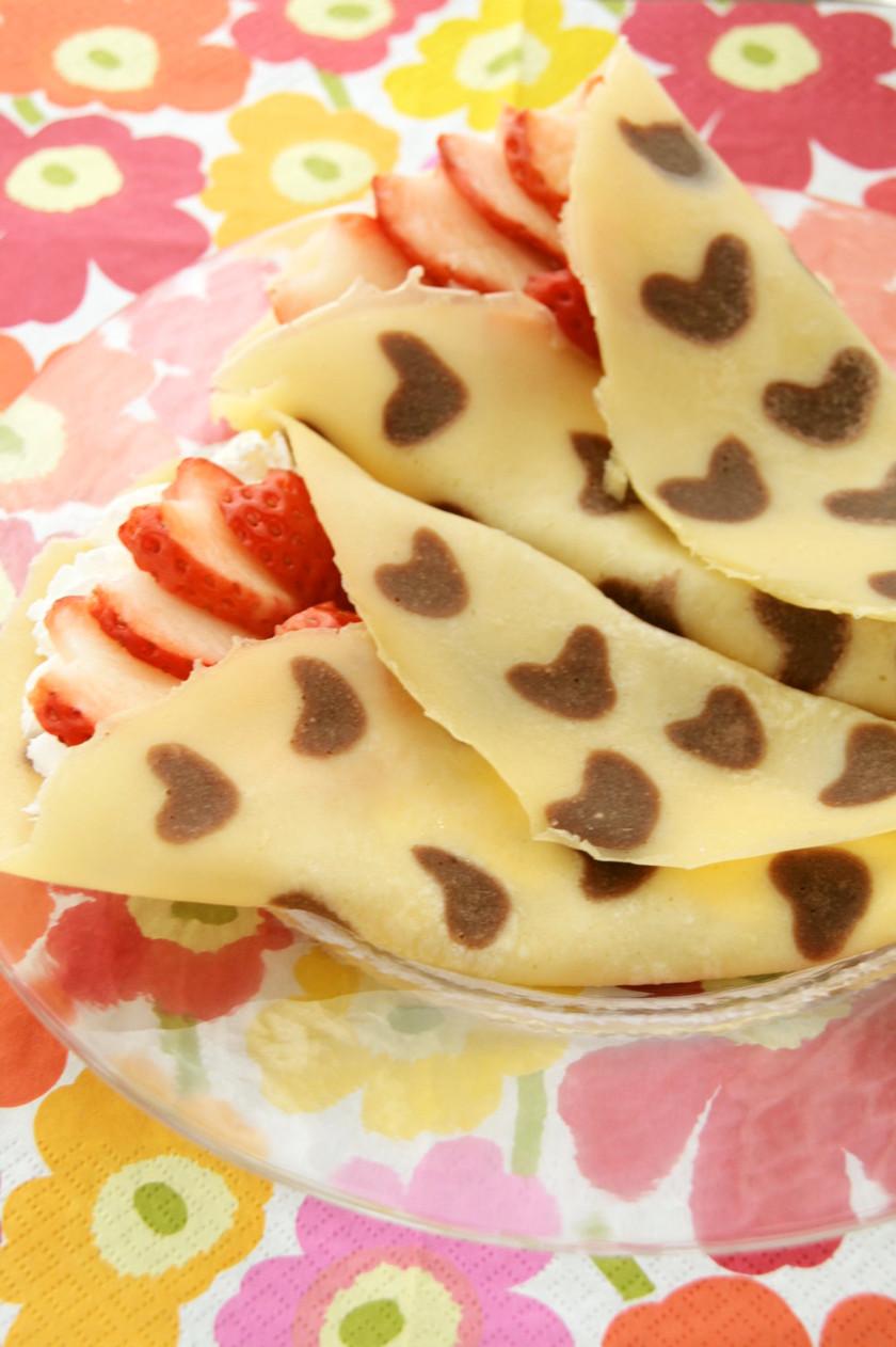 デコナモン☆イチゴのハートクレープ