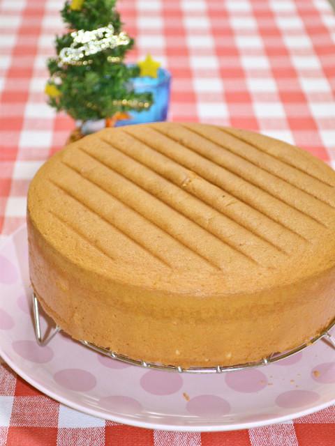 クリスマスケーキにふわふわスポンジケーキ