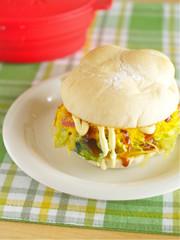 はみだしキャベ卵サンドの写真