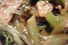 野菜たっぷり☆小松菜と豚もやし丼☆