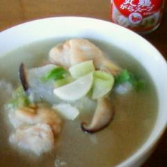 鶏手羽元と大根のスープ