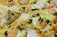 シーフードホワイトソースピザ