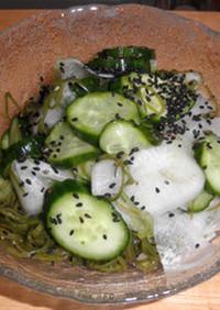 寿司酢で簡単 ~ めかぶと大根のサラダ