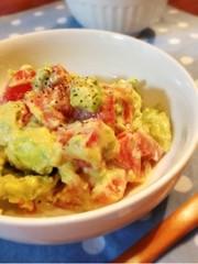 アボカドとトマトのサラダ 2の写真