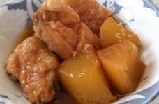 鶏モモと大根の醤油麹煮込み