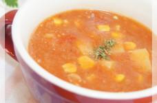 じゃが芋と鮭フレークで食べるトマトスープ