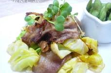 豚バラ肉と春キャベツのバターしょうゆ炒め