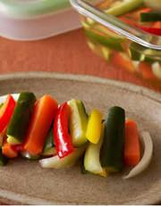 スティック野菜のピクルスの写真