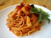 『自家製パンチェッタの濃厚トマトソース』の写真