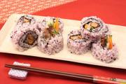 赤しそ風味のいわしロール寿司の写真