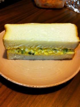 きゅうりがアクセント!卵サンドイッチ