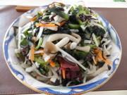 冷蔵庫に余った野菜達で★健康サラダの写真
