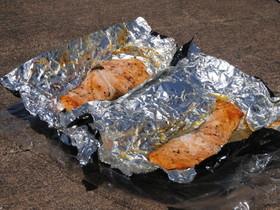 鮭の香草ソーラーホイル焼き