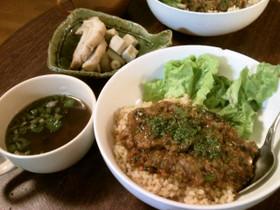 ビーガンのレンズ豆の肉味噌風