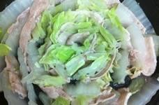 白菜と豚バラ肉のタジン蒸し