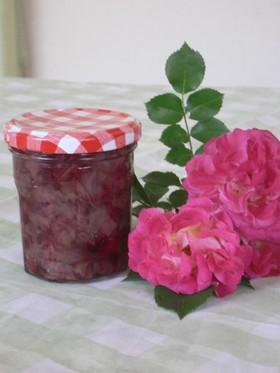 春風の薔薇ジャム