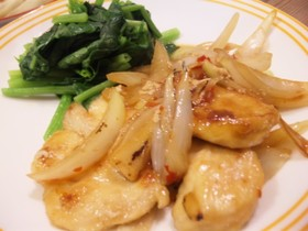 鶏胸肉と玉ねぎのスイートチリソース炒め
