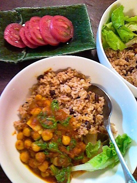 ビーガンのひよこ豆とトマトのカレー