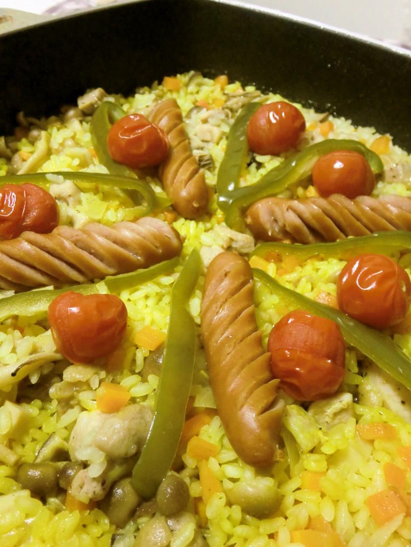フライパン*野菜たっぷりチキンパエリア*