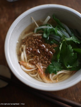 坦仔麺(タンツーメン・台湾ラーメン)風。