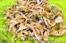 プチプチ海藻麺とゴマいっぱいサラダ