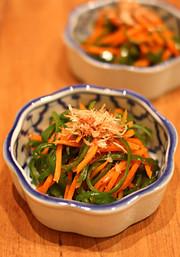 【簡単副菜】ピーマンと人参の金平の写真