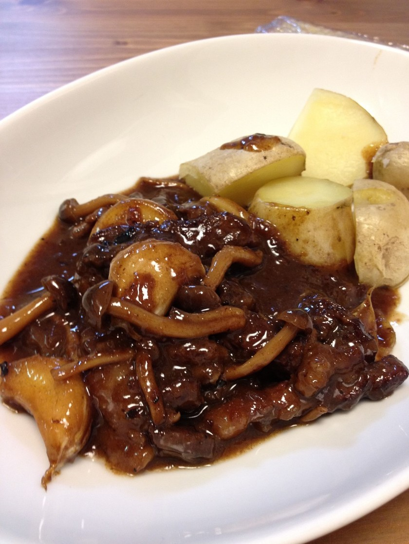簡単フランス田舎料理*牛肉の赤ワイン煮込
