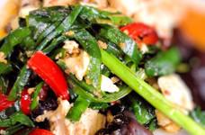 簡単夕飯☆ニラとパプリカと豆腐の炒めもの