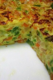 チーズも入った野菜たくさんオムレツの写真