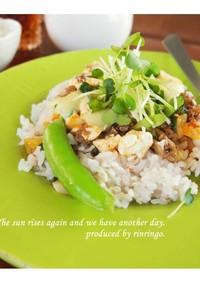 豆腐と夏野菜たっぷりのヘルシータコライス