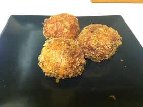 チーズがとろ〜り☆トマトライスコロッケ
