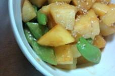 スナップエンドウとジャガイモの味噌炒め