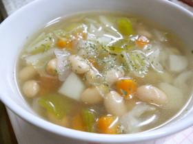大豆と野菜たっぷりのコンソメスープ♪