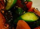 キュウリとトマトの塩昆布和え