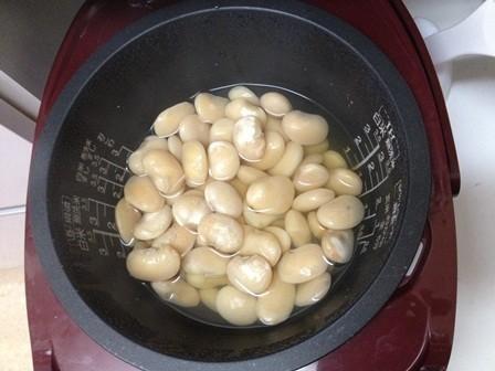 炊飯器de白インゲン豆煮