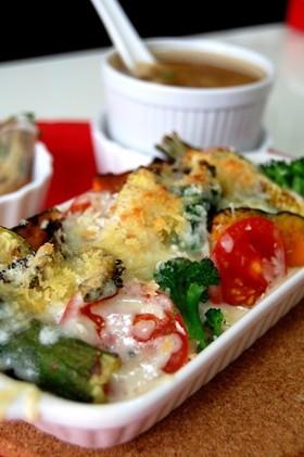 たっぷり夏野菜のチーズ焼きドリア