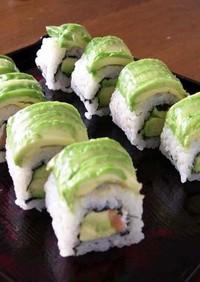 アボカドとスモークサーモンの洋風巻き寿司