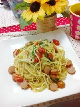 トマトウインナー水菜のペペロン風パスタ